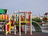 Игровой комплекс на пл. Октябрьской Революции, детская площадка
